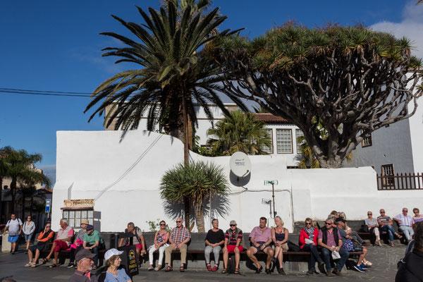 Turisti al sole - Puerto de la Cruz - Tenerife - (2019)