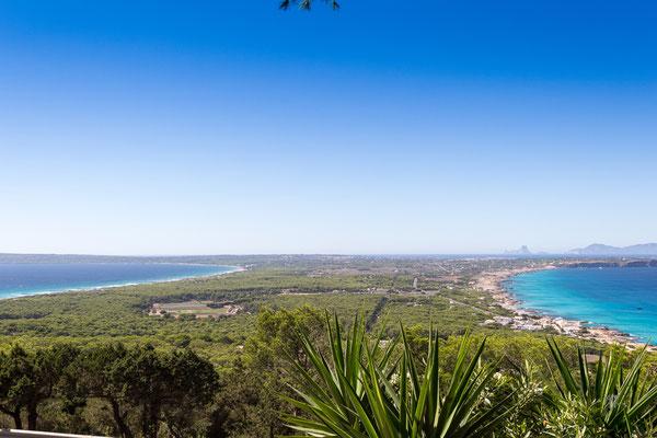 La terra di mezzo - Es Calò  - Formentera - (2017)