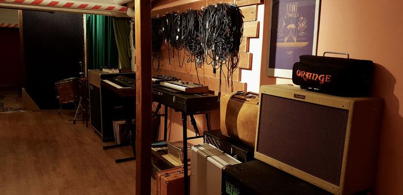 Hallway/Keyboards & Amps Room