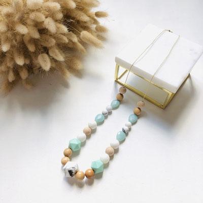 Collier vert d'eau en bois, silicone et perles