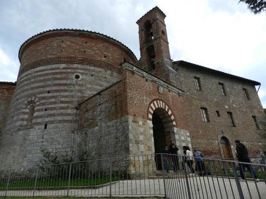 トスカーナ修道院めぐり サンガルガーノ モンテシエーピ