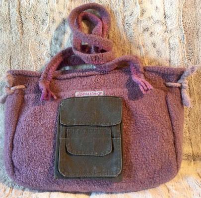 Filztasche mit aufgenähten Stofftaschen von alpavia-design