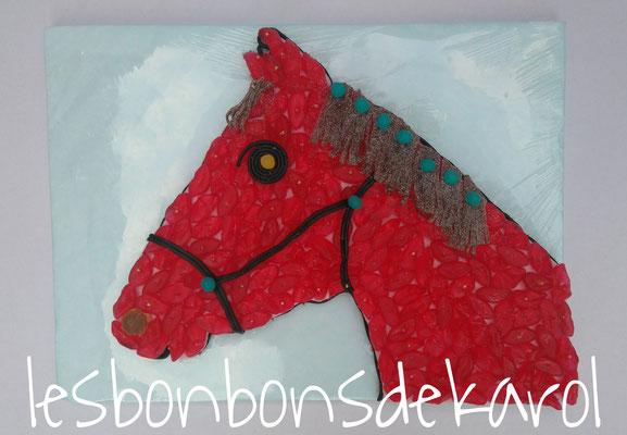 tête cheval  38 € (env. 970 gr et 205 bonbons - 44x32 cm)