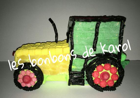 tracteur 60 € (env. 2178 gr et 414 bonbons - larg 28 lg 43 et ht 25 cm)