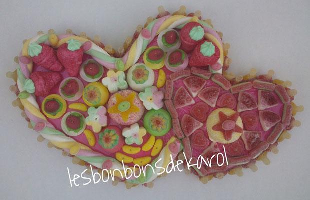 coeur contre coeur 38 € (env. 1080 gr et 157 bonbons - 48x32 cm)