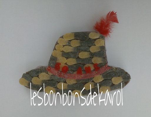 chapeau 18 € (env. 500 gr et 44 bonbons - 22 x 37 cm)