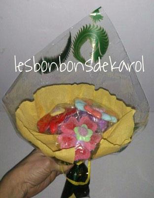 bouquet 3 fleurs - 6,50 € (env. 130 gr et 18 bonbons)