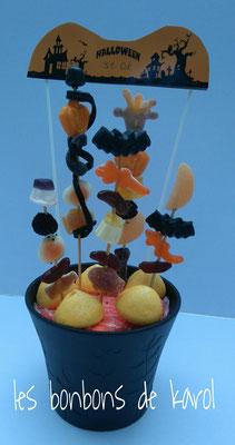 compo halloween 14,50 € (env. 210 gr et 32 bonbons - 33 x 14 cm)