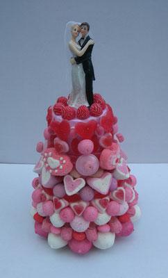 pièce montée rose mariés 49 € (1100 gr et 203 bonbons - ht 38 cm diam. base 25 cm)