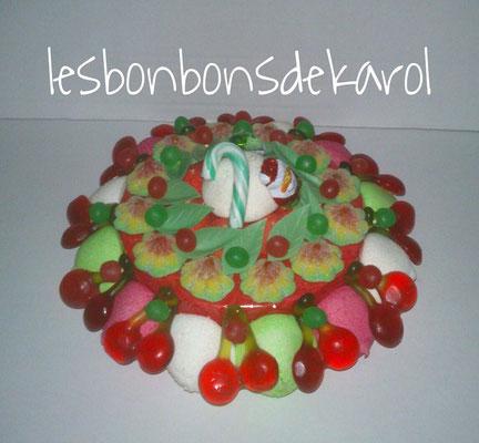 gâteau de noël pt mod 17,50 € (env. 385 gr et plus de 83 bonbons - ht 9 diam 22 cm)