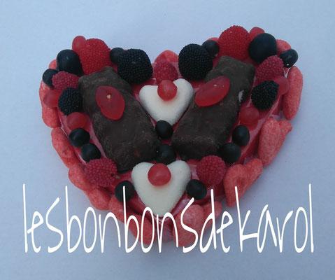 coeur bisous - 8 € (env. 325 gr et 52 bonbons - 15x17x5 cm)