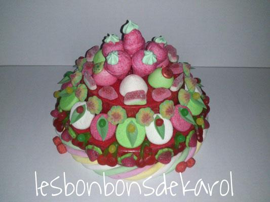 gâteau de noël grd mod 35 € (env. 820 gr et plus de 140 bonbons - ht 20 diam 32 cm)