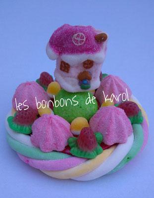 la petite maison du père noël 6 € (env. 134 gr et 16 bonbons + 1 maison + 1/2 tresse guimauve - diam. 9,5 cm)