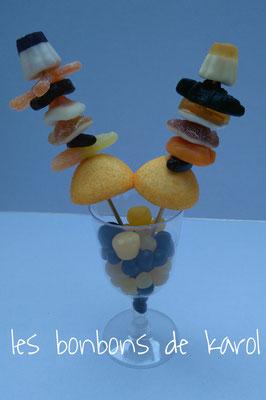 coupe halloween 6 € (env. 194 gr et 64 bonbons - 21 x 13cm)