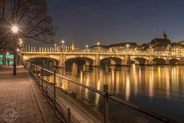 Weihnachtsbeleuchtung in Basel am Rhein