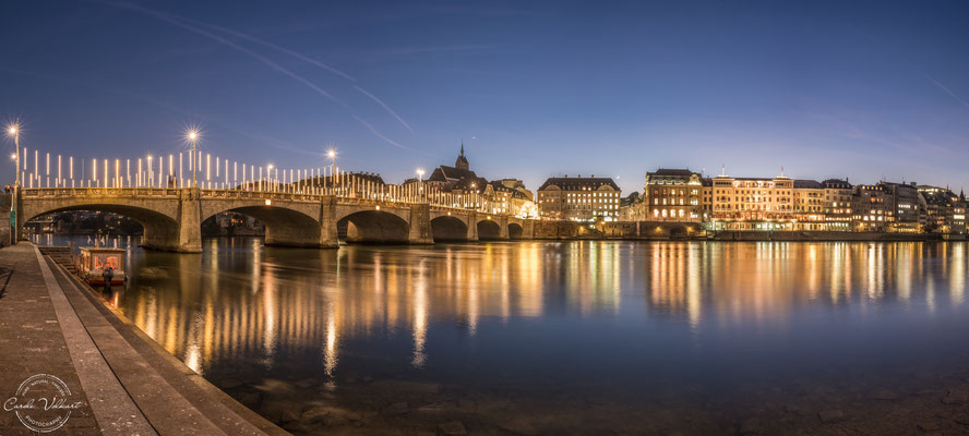 Basel am Rhein zur Weihnachtszeit