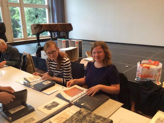 Petra Barton-Sigrist und Larissa Ullmann