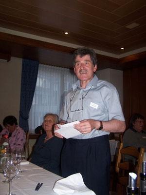 Auktionator Milan Humplik.