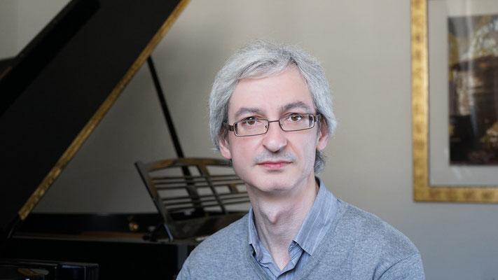Klavierlehrer M. Poliatskin