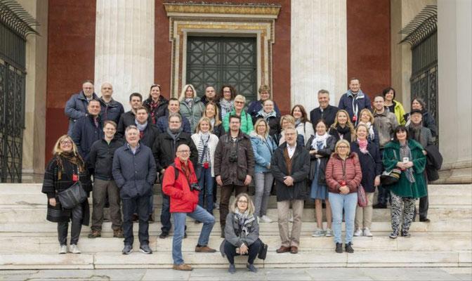 Event-Reisen Athen mit Besichtigungsproramm und Weinverkostung auf einem Weingut....