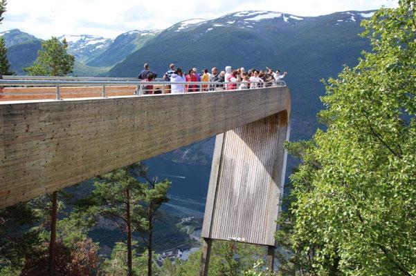 Wanderung zu Aussichtpunkt Stegastein Fjorden