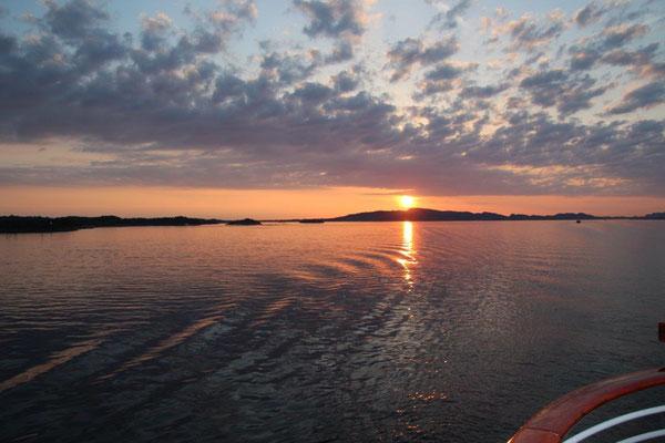 Auf der MS Amadea Sonnenuntergang erleben ...