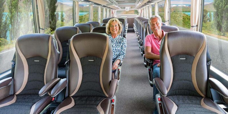 Ersklassige Sitze im 4-5 Stern Busse, für Sie gemacht...sicher und bequem reisen