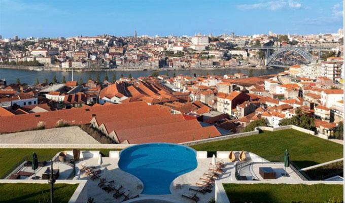 Blick vom Hotel Yeatmann auf Porto...r