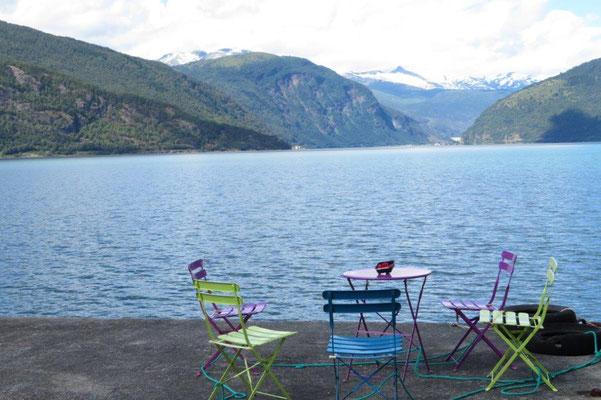 Fjordwanderungen und Pause direkt am Fjord...