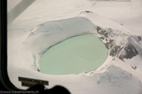 Flug nach Katmai, Vulkan Mount Douglas