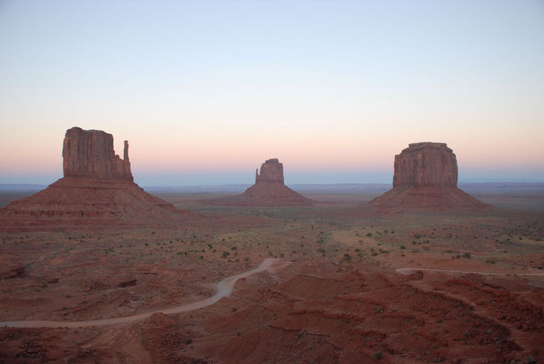 west / east mitten & merrick butte, monument valley; ut
