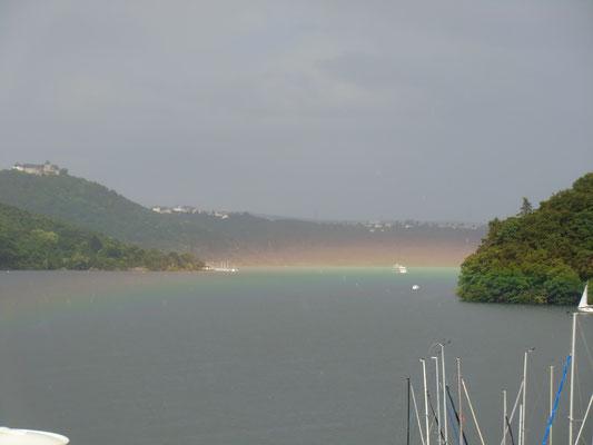 Edersee mit Regenbogen