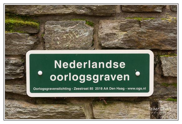 <b>Nederlandse Oorlogsgraven</b><br>    ©Reiner Gruhle