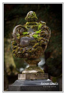 <b>Pokal</b><br> Alter Jüdischer Friedhof Frankfurt   ©Reiner Gruhle