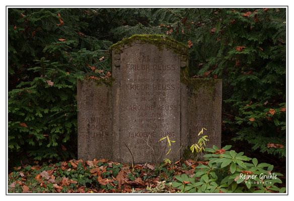 <b>Familiengrab Reuss / Jung / Weber / Gruhle</b><br>    ©Reiner Gruhle