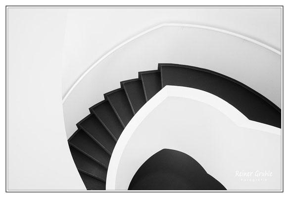 <b>Leica-Treppe</b><br> Treppe im Leica-Gebäude in Wetzlar   ©Reiner Gruhle