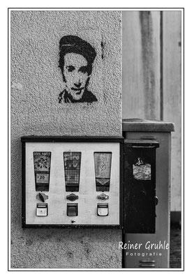 <b>Straßenecke</b><br> Straßenecke im Frankfurter Gallusviertel.   ©Reiner Gruhle