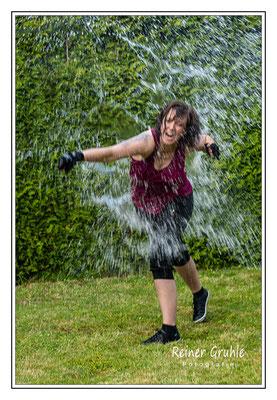 <b>Wasserbombe</b><br>    ©Reiner Gruhle