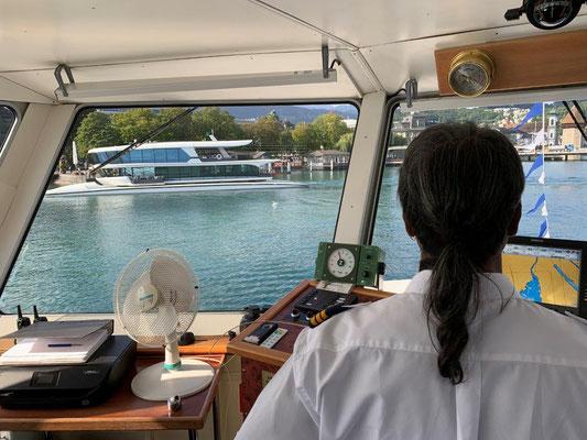 Der Kapitän fährt los