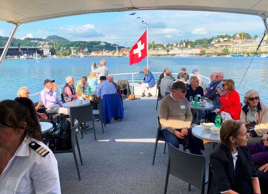 Langsam verlassen wir das Seebecken von Luzern