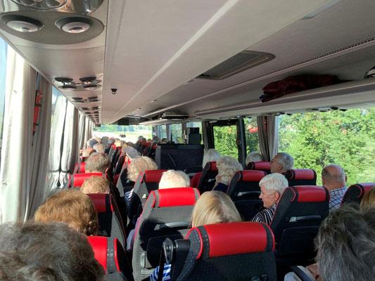 Fahrt im Car nach Luzern