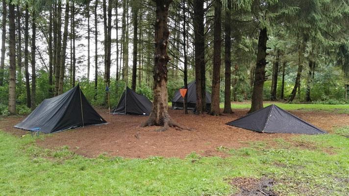 Die Zelte der Wös, Jupis, Pfadis