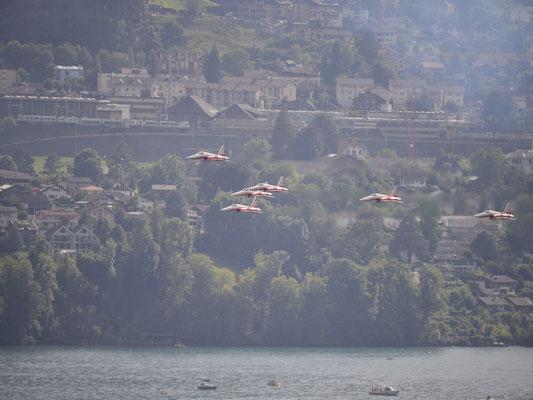 170729_1308_Patrouille Suisse über Spiez
