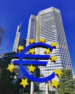 signe de l'euro place Willy Brandt