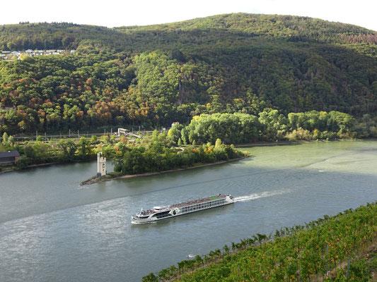 la tour des Souris au milieu du Rhin