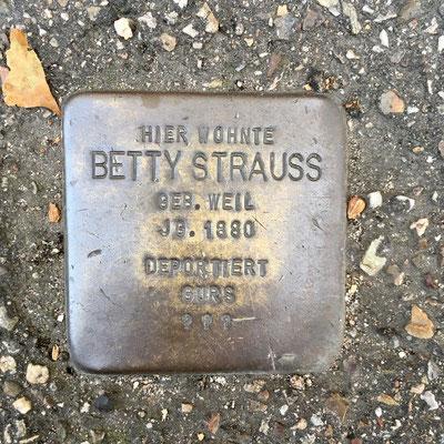 Betty Strauss