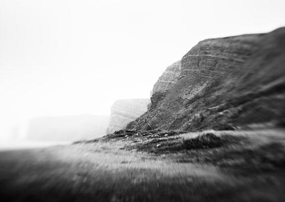 """""""Im Nebel""""  aus der Serie """"Grün Rot Weiß""""   75x50cm FineArt-Print auf AluDibond  560,-€      (limitierte Auflage)"""