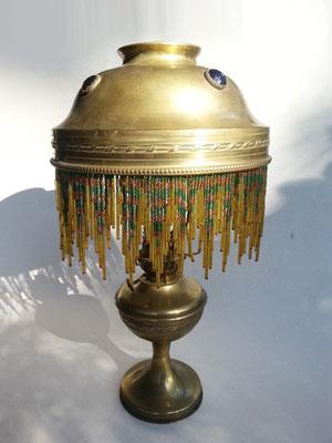 Lampe parisienne à pétrole - avant électrification et polissage.