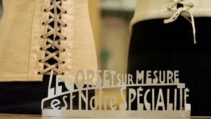 Luc Médical à Bruxelles, le spécialiste du corset sur mesure