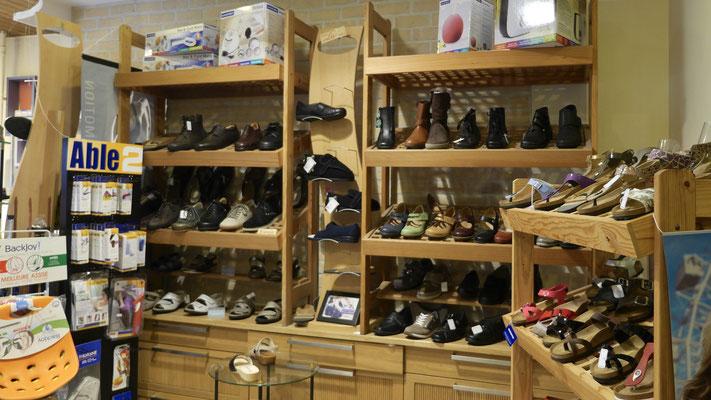 Luc Médical vous offre un choix de chaussures orthopédiques unique à Bruxelles